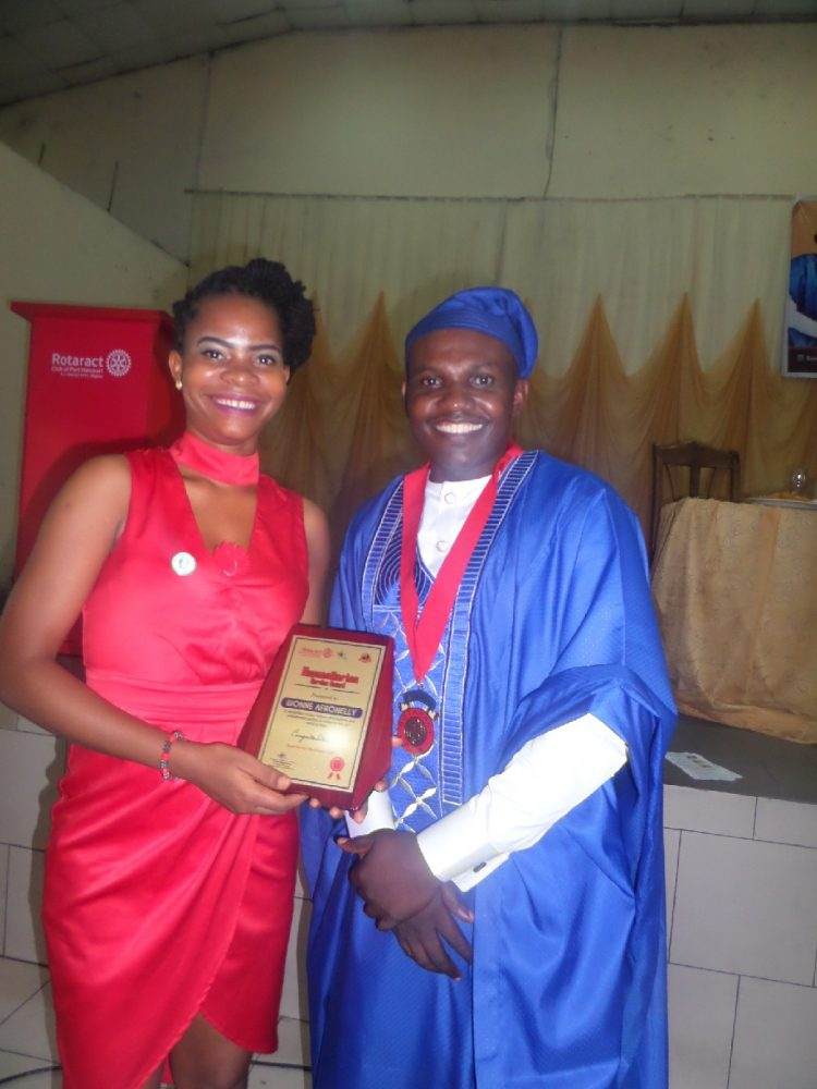 ROTARACT CLUB of PORT HARCOURT RECOGNIZES WONNE AFRONELLY WITH AWARD FOR HUMANITARIAN SERVICE